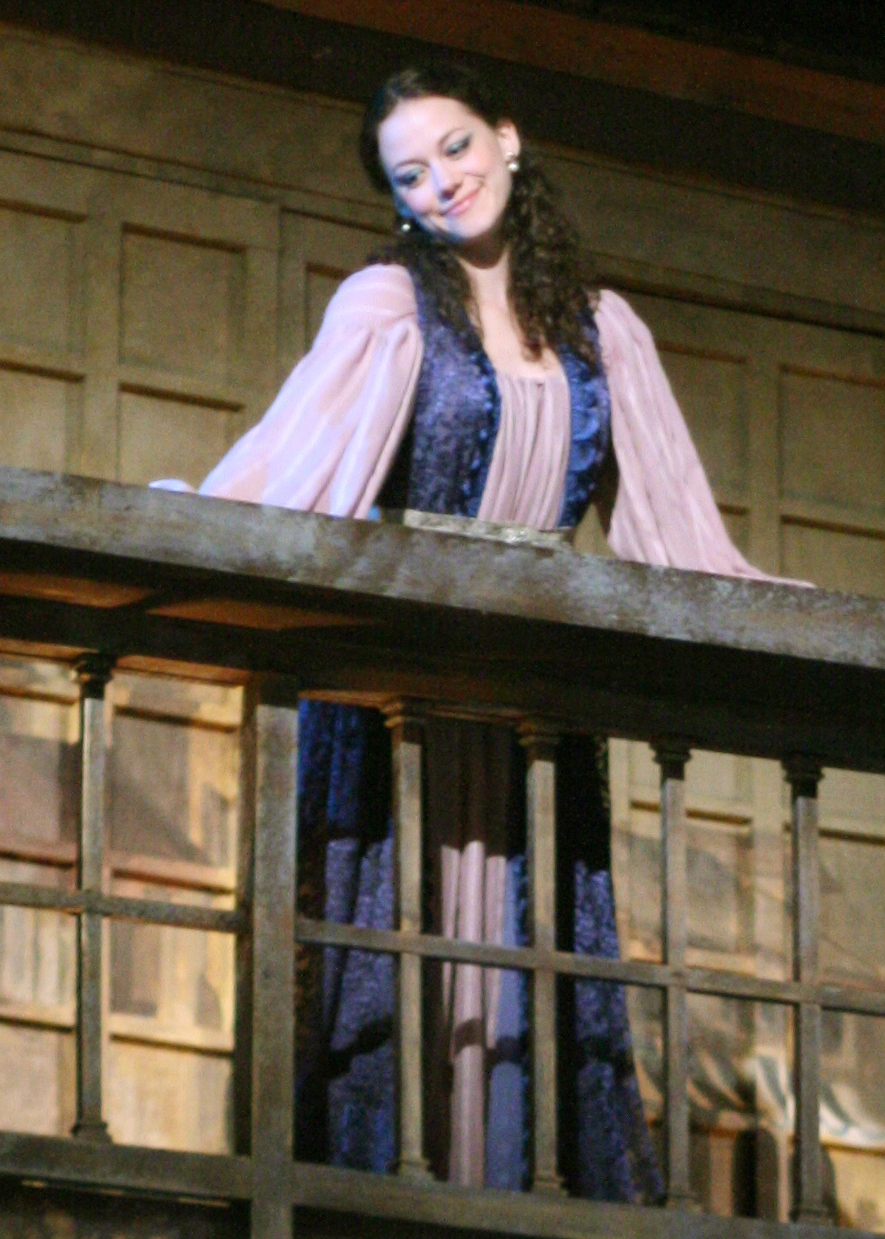 jessica in ther merchant of venice In william shakespeare's play 'the merchant of venice' the two most important women characters portia and jessica share some unmistakable similarities.